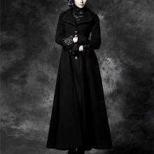 пальто в готическом стиле