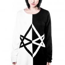 свитер в стиле готика
