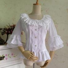 блузка в стиле Лолита