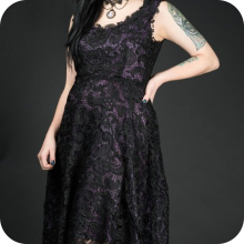 готическое платье с кружевом