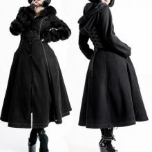 готичное пальто